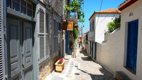 Discover Hydra on foot, island, Attica