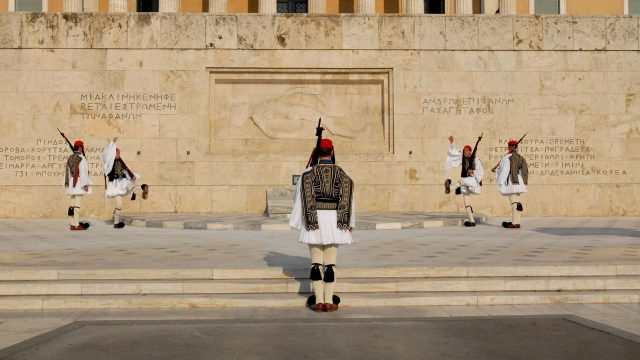monument Uknown Soldier Evzones μνημείο Άγνωστος Στρατιώτης εύζωνες