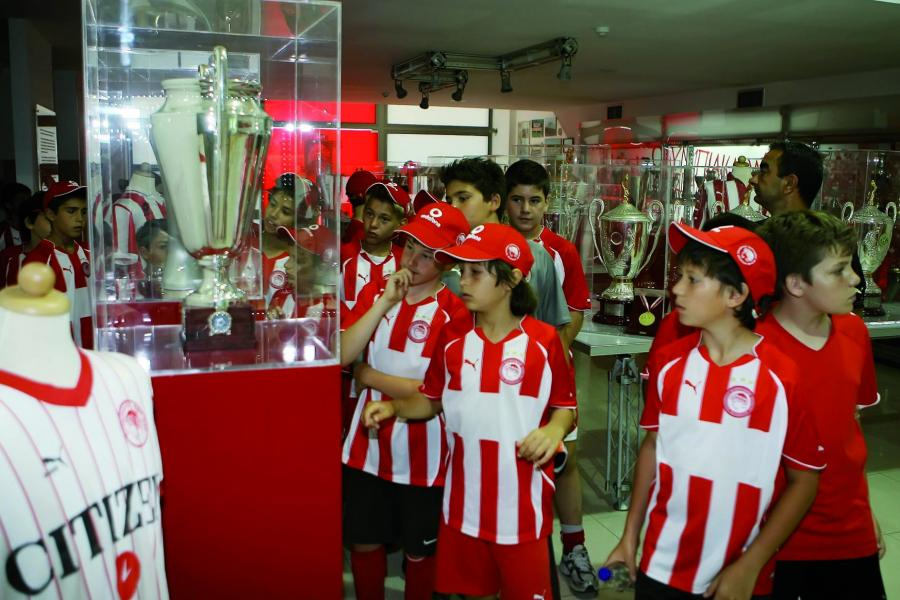 Olympiacos-Football-Club-Cups