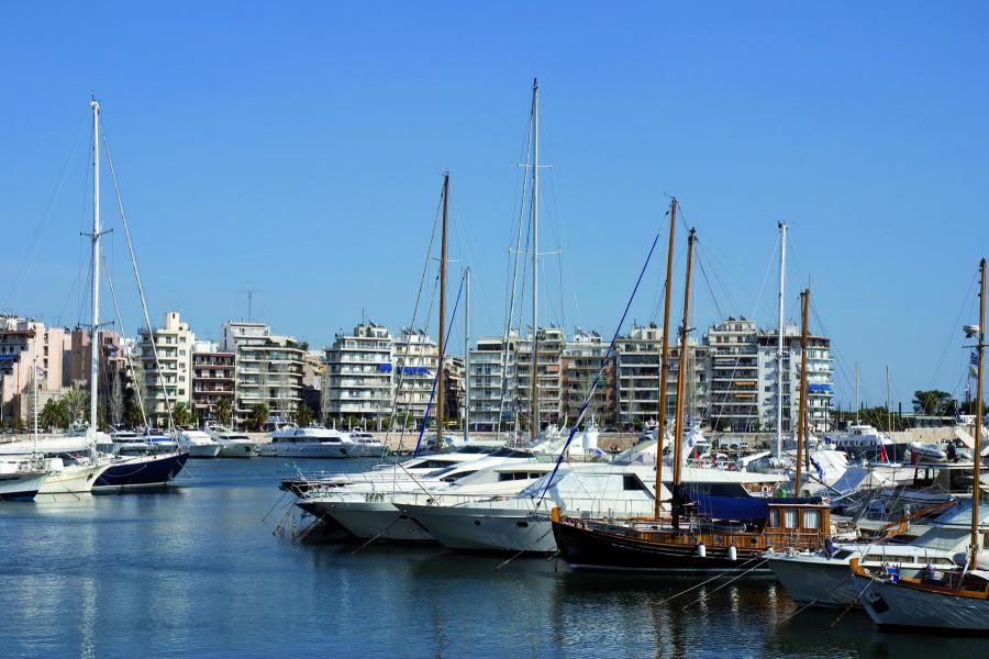 View-of-Marina-Zeas-Harbour