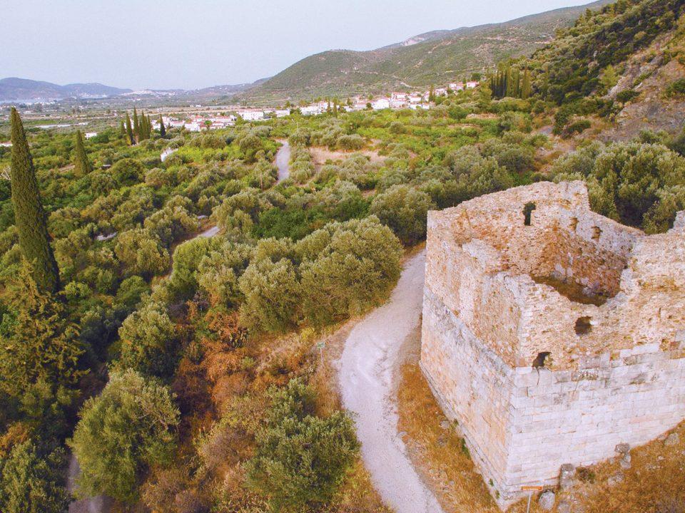 Τροιζήνα, Πύργος