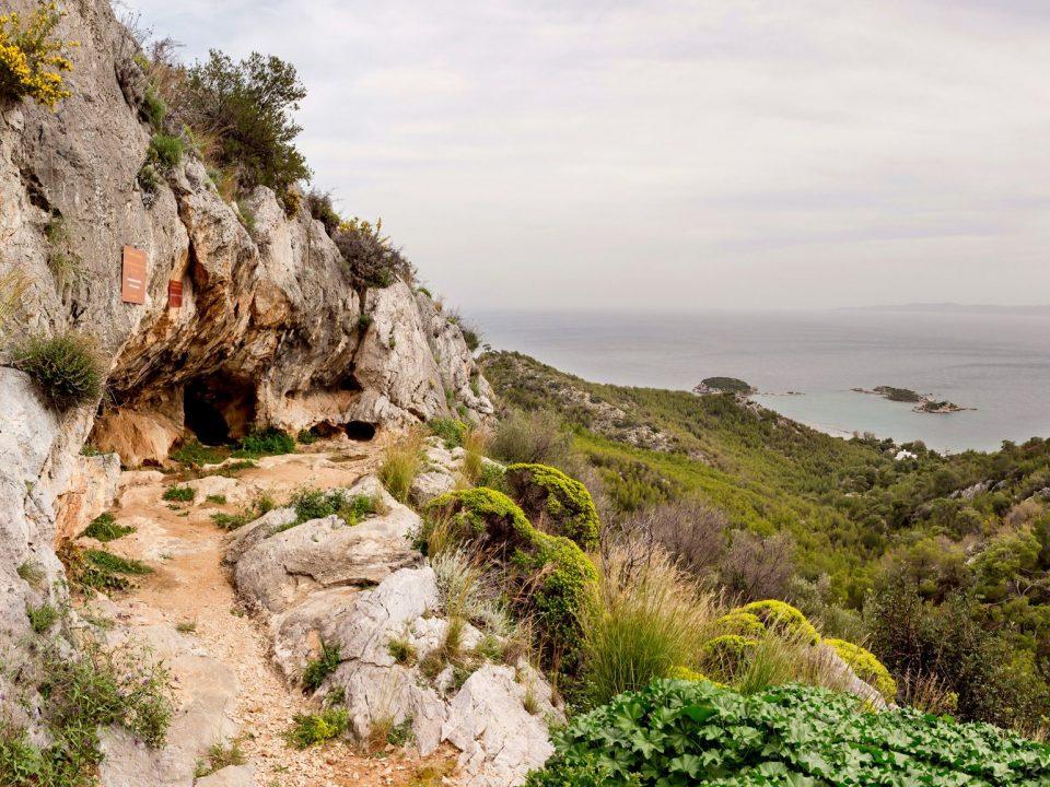 σπήλαιο, Ευριπίδη