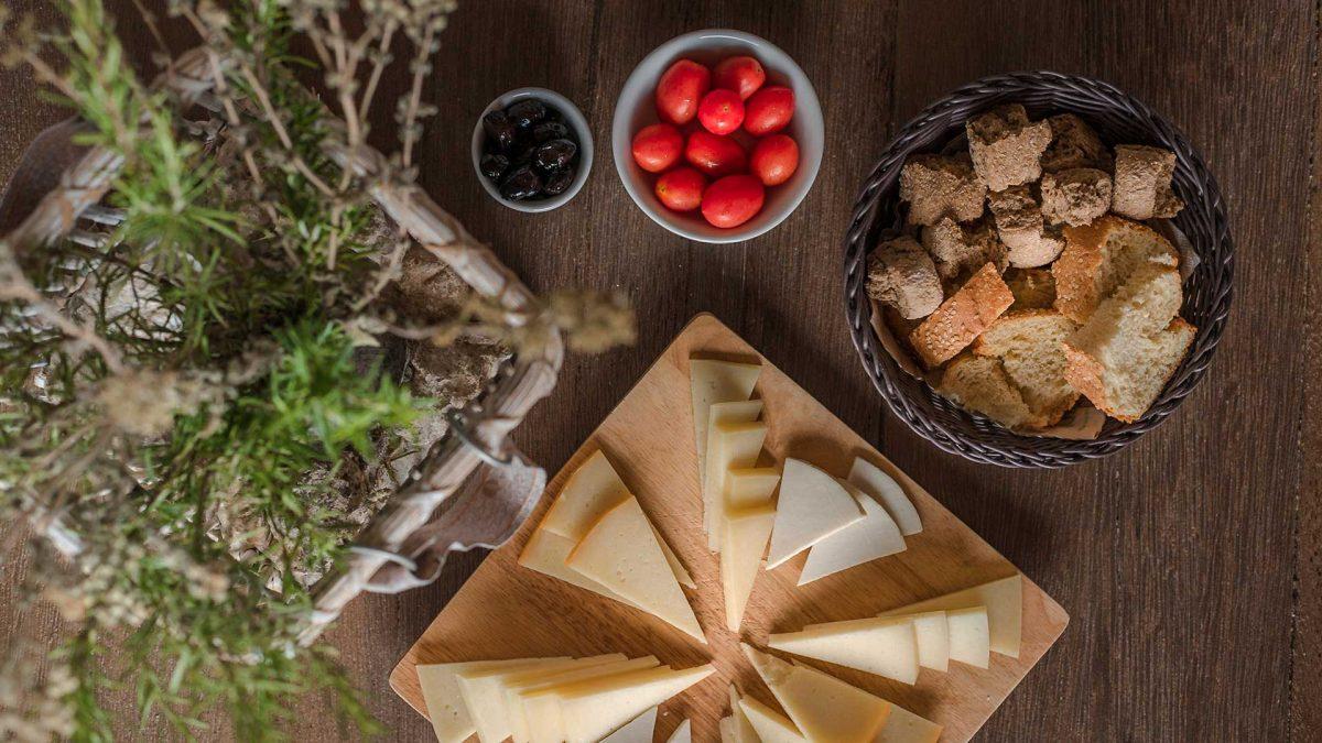 Breakfast, Cheese, Olives, Tomato, Bread